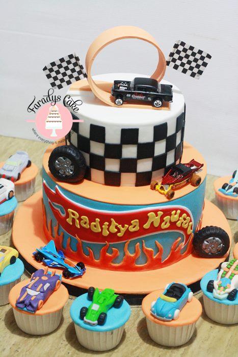 Hott wheel cake cupcakes resize