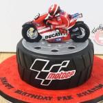 #Ducati #cake #race resize